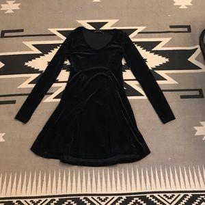 Black Velvet Long Sleeve Shift Dress with Cinching